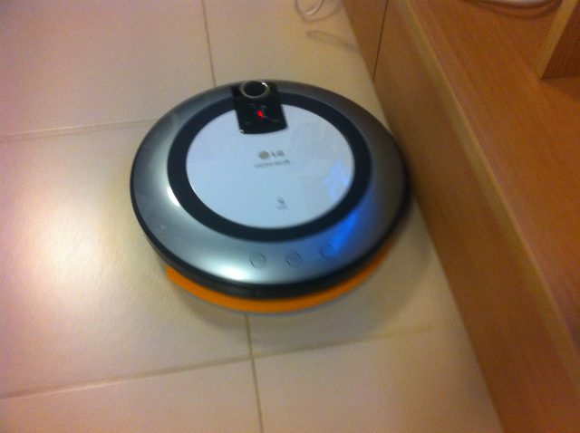 LG HOM-BOT-หุ่นยนต์ดูดฝุ่น-11