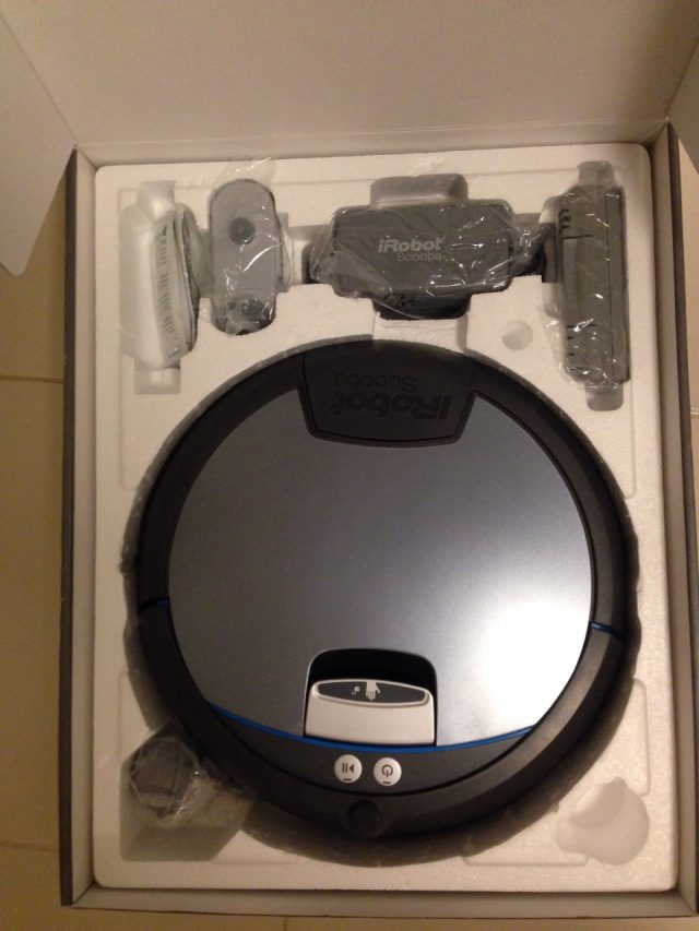 iRobot Scooba 390 Unpacked Zoom