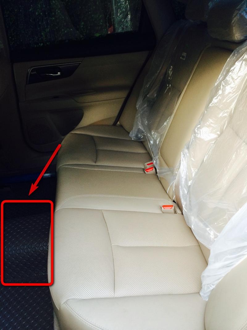 Nissan-Teana-L33-Rear-Seat