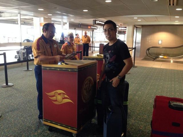 Disney-Cruise-Line-Transportation-Checkin-Counter
