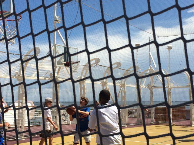 Disney-Cruise-Dream-Basketball