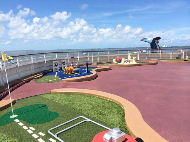 Disney Cruise Dream Golf Simulator 1