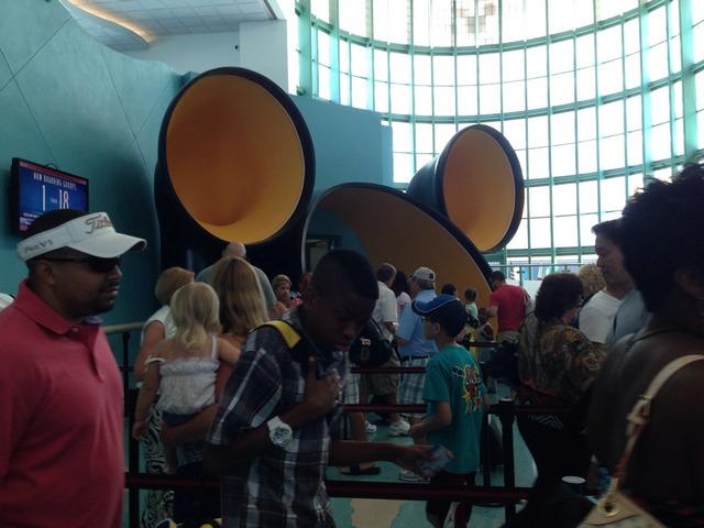 Disney Cruise Line Cruise Terminal WaitingLine2