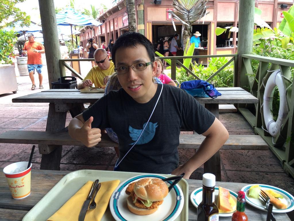 Castaway-Cay-Island-Lunch-BarBQ