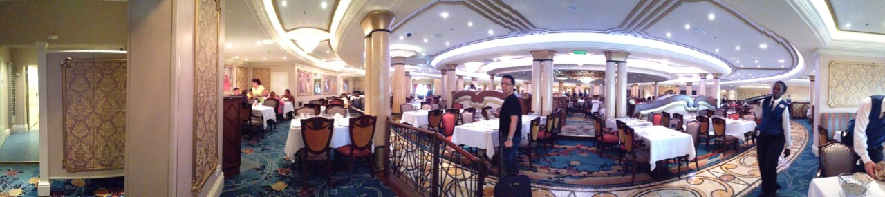 Disney-Cruise-Dream-Royal-Palace-Panorama