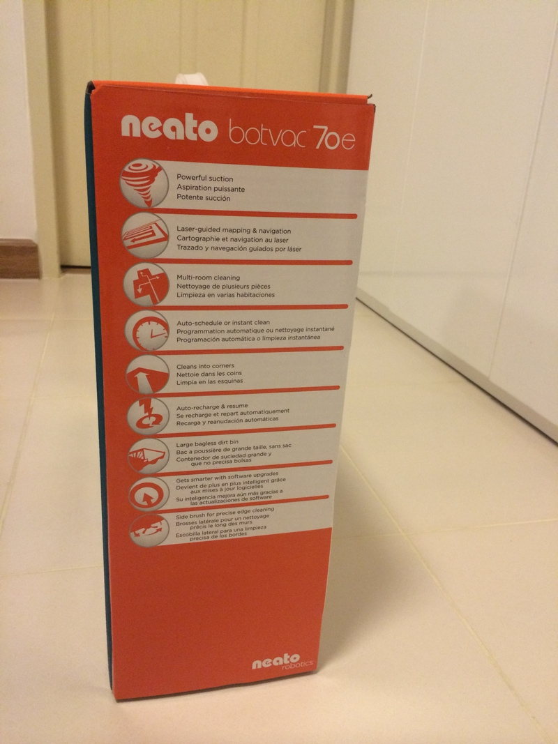 Neato Botvac 70e Box Right