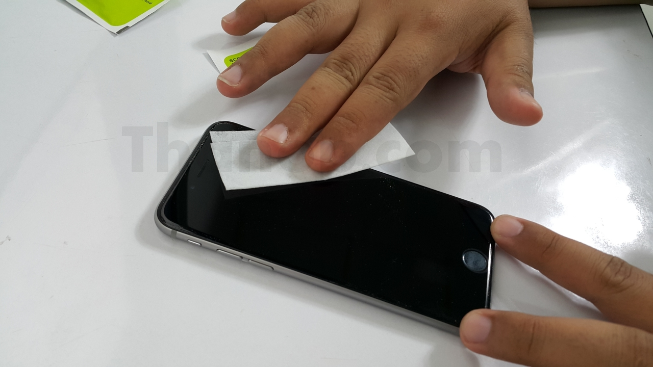 Commy Screen Guard Tempered Glass Installation 2