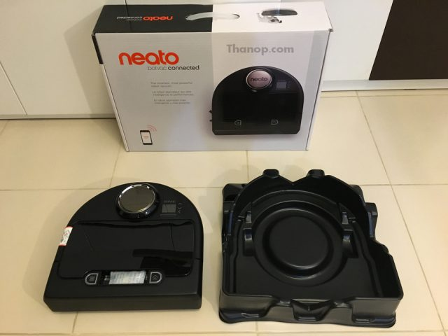 Neato Botvac Connected Box Unpacked with Shockproof
