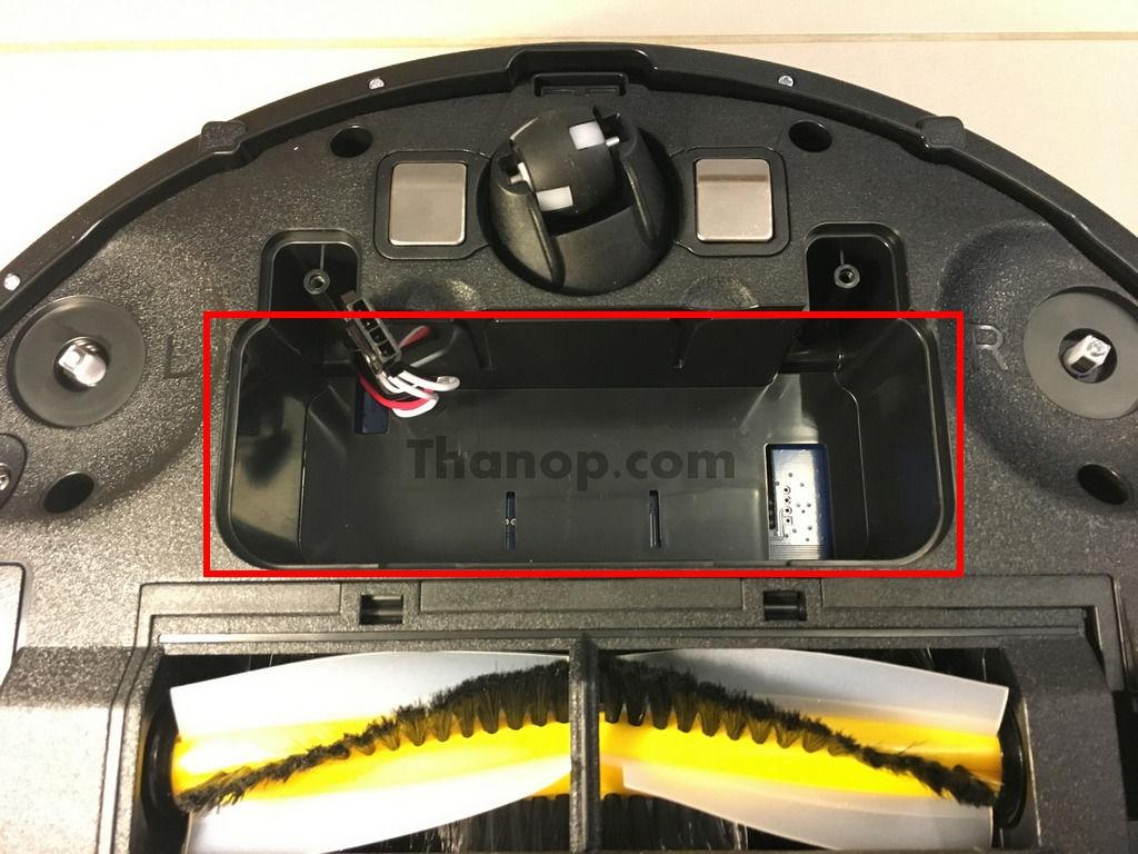 iGGOO AQUA Underside Battery Slot without Battery