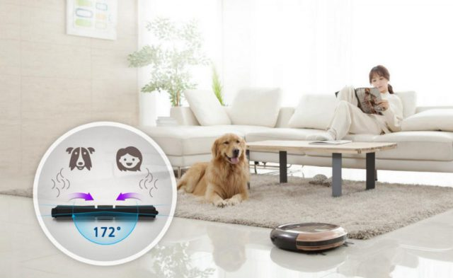 iClebo Omega Feature No More Trouble with Pet Hair