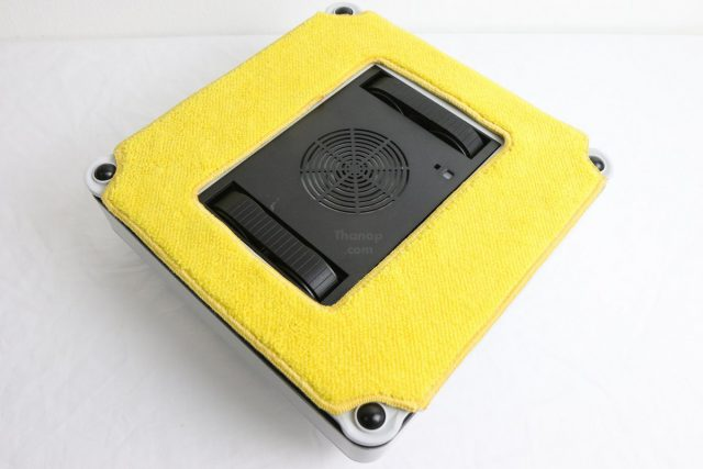 Mister Robot AIR WALKER Cleaning Pad Dry Installed
