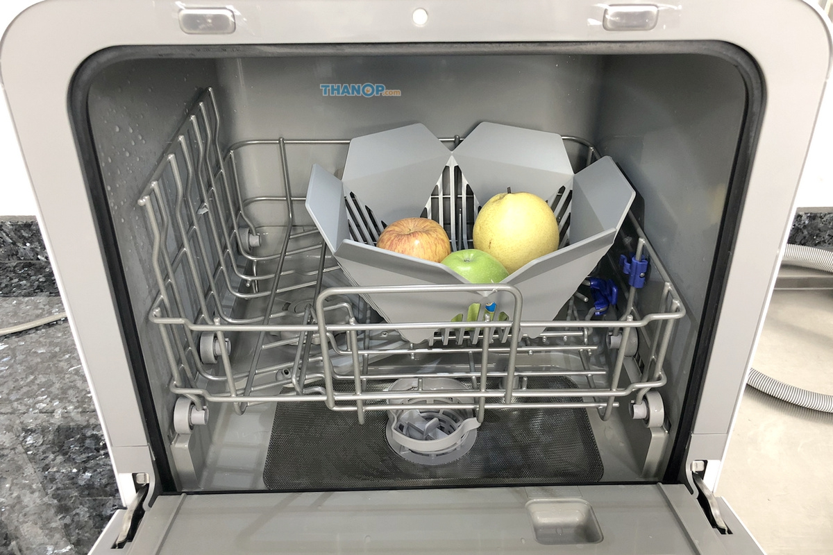 Mister Robot Home Dishwasher Fruit Basket Loaded