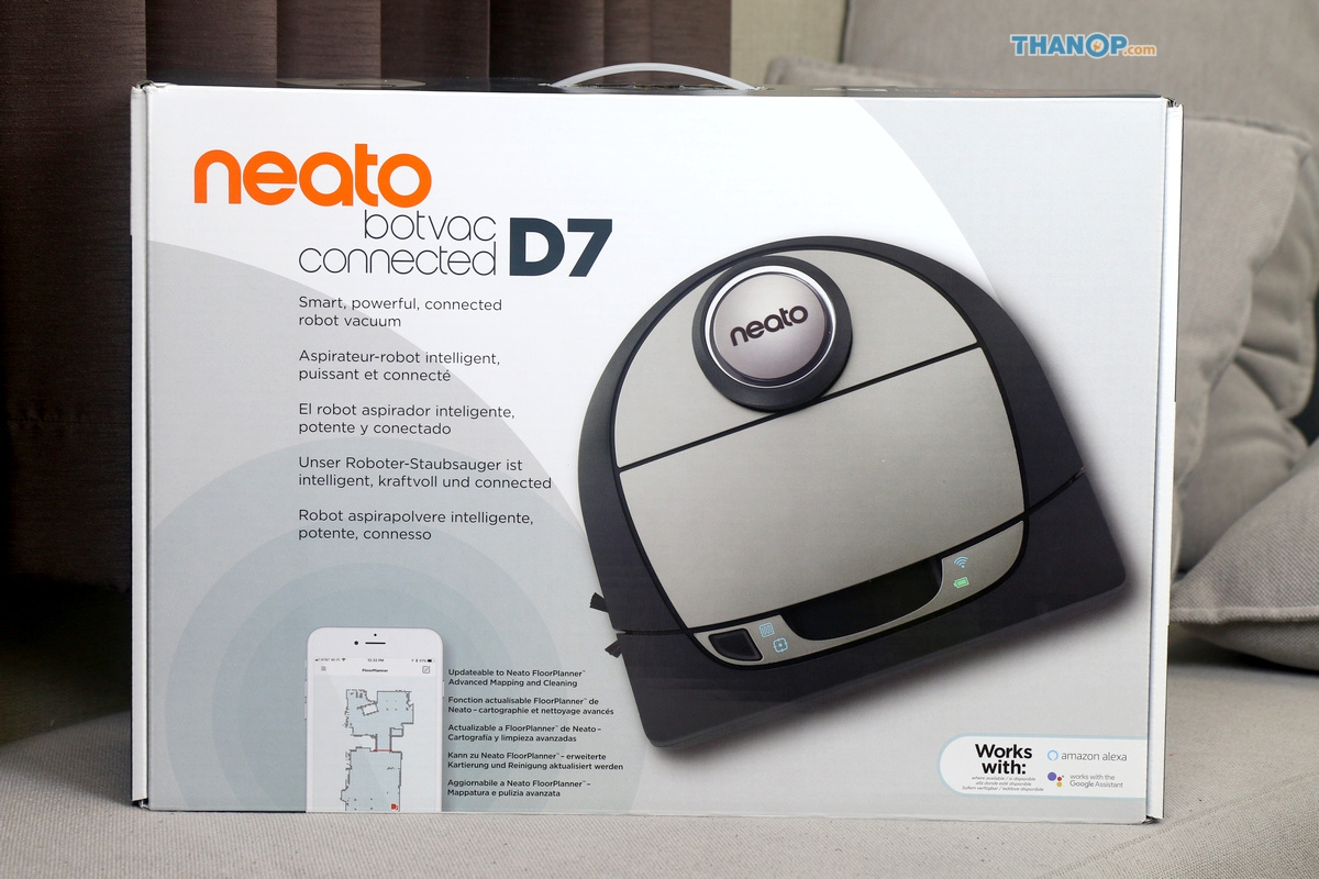 Neato Botvac D7 Connected Box Front