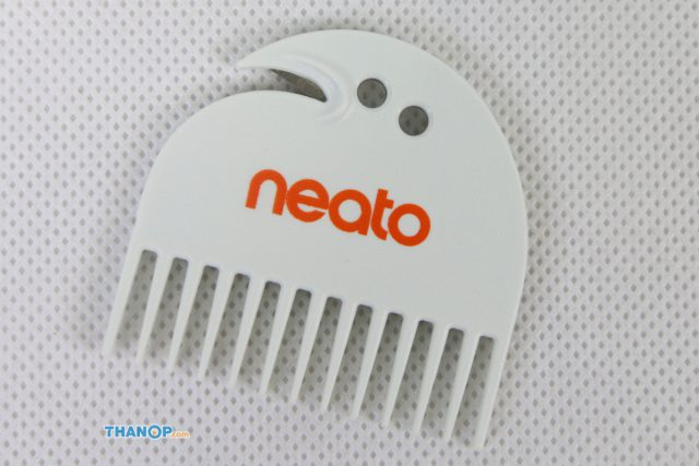 Neato Botvac D7 Connected Cleaning Tool