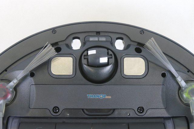 ECOVACS DEEBOT OZMO 930 Underside Zoom Front