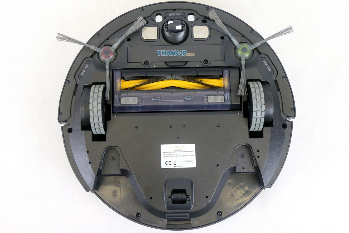 ecovacs-deebot-ozmo-930-water-tank-removed-underside