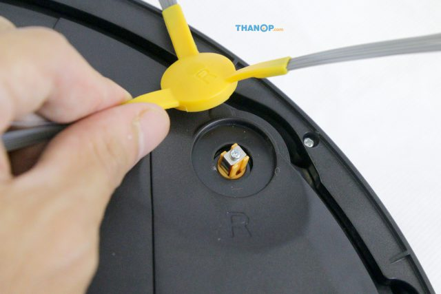 Mamibot EXVAC660 Platinum Side Brush Installation Area
