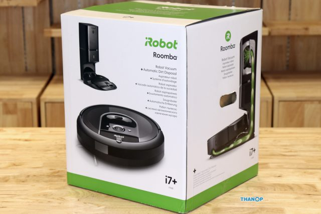 iRobot Roomba i7 Plus Box