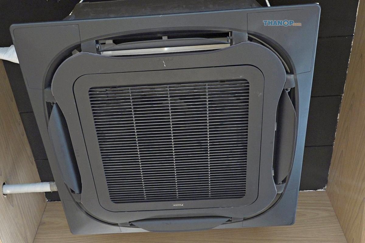 cassette-type-air-conditioner-premium-black-panel