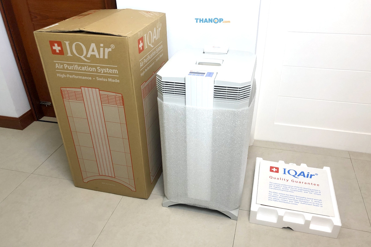IQAir HealthPro 250 and Box