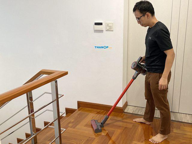Roborock H6 Cleaning Parquet Floor 2