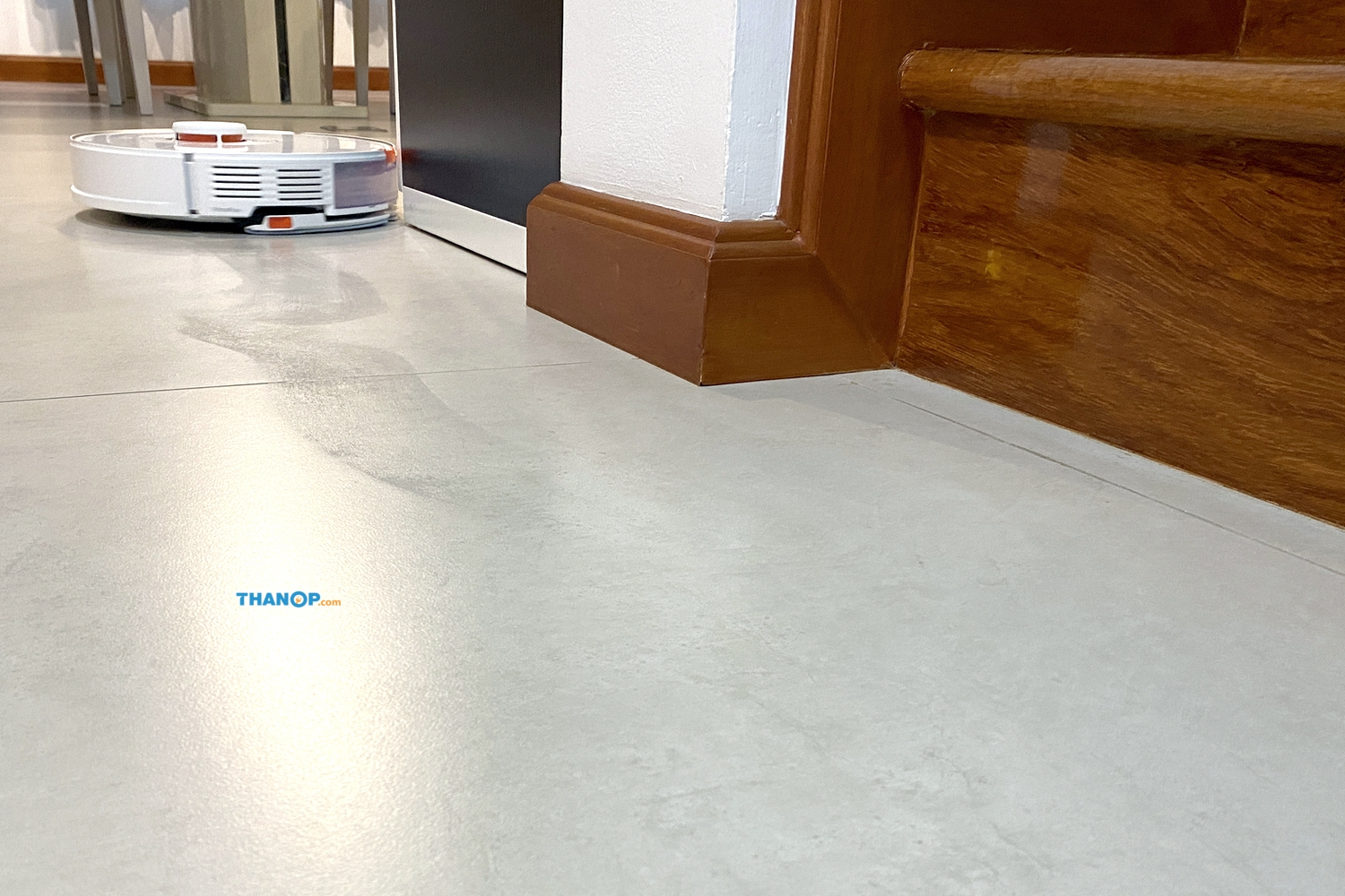 roborock-s7-working-with-mopping-function